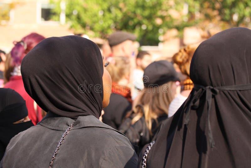 Le donne musulmane protestano la dimostrazione contro la legislazione danese che vietano l'uso dei vestiti tradizionali come il b fotografia stock libera da diritti