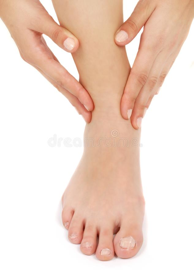 Le donne si massaggiano, adatto a sanità personale fotografie stock