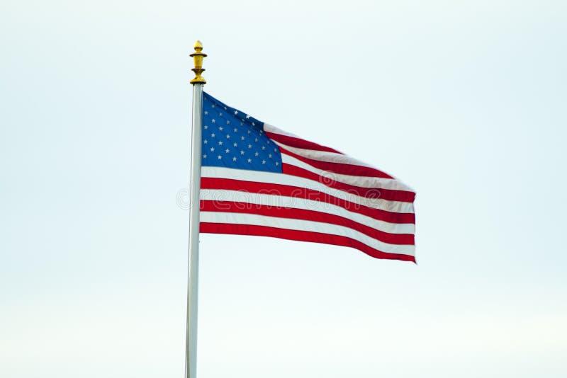 Le drapeau américain dans le drapeau de la Belgique WaregemAmerican de champ de la Flandre dans le domaine Belgique Waregem de la  photographie stock