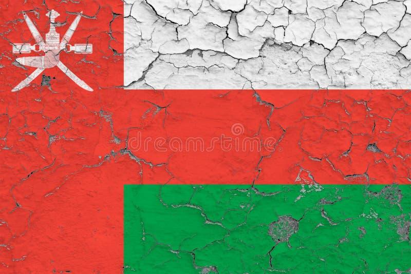 Le drapeau de l'Oman a peint sur le mur sale criqué Mod?le national sur la surface de style de cru illustration libre de droits