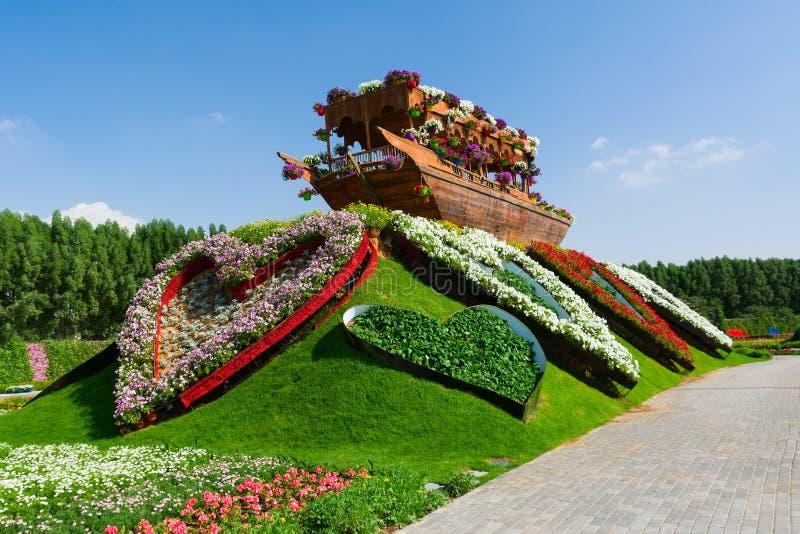 LE DUBAÏ, EMIRATS ARABES UNIS - 8 DÉCEMBRE 2016 : Le jardin de miracle de Dubaï est plus grand jardin d'agrément naturel dans le  images stock