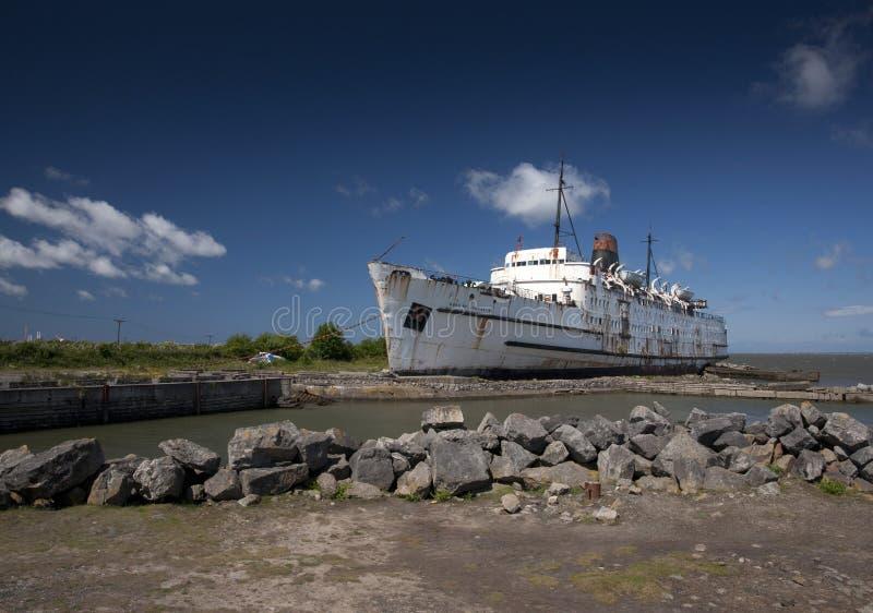 Le ducde TSSdu bateaude Lancasteraccouplé chez Mostyn, Pays de Galles du nord, Royaume-Uni - 30 mai 2010 photographie stock libre de droits