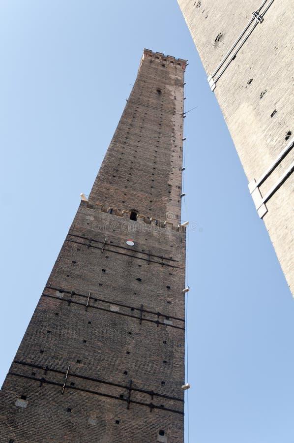 LE Due Torri οι δύο πύργοι στο τέλος μέσω Rizzoli στοκ εικόνες με δικαίωμα ελεύθερης χρήσης