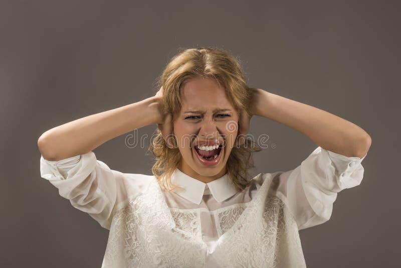 Le emozioni umane negative affrontano la percezione di vita di sensibilità di espressione fotografie stock