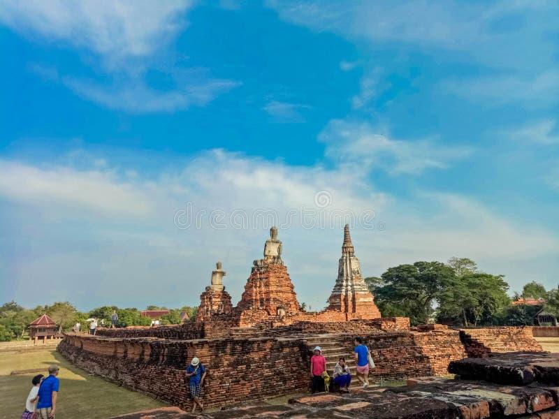 Le 1er avril 2018 au temple de Wat Chaiwatthanaram en parc historique d'Ayuthaya, un site de patrimoine mondial de l'UNESCO en Th photos stock