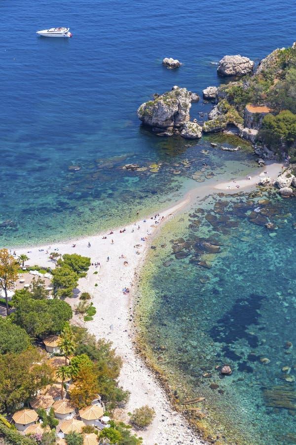 ?le et plage d'Isola Bella dans Taormina, Sicile, Italie photos stock