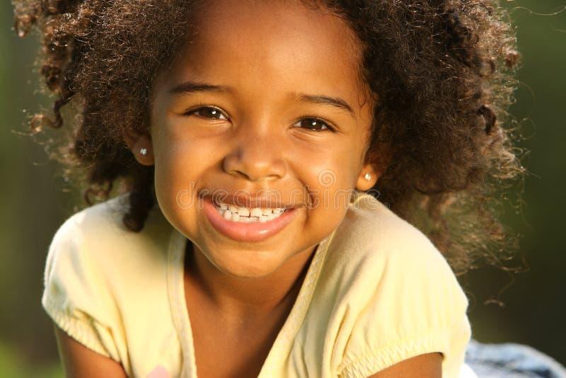 le för afrikansk amerikanbarn royaltyfria bilder