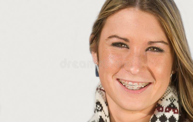 le för flicka som är tonårs- royaltyfri fotografi