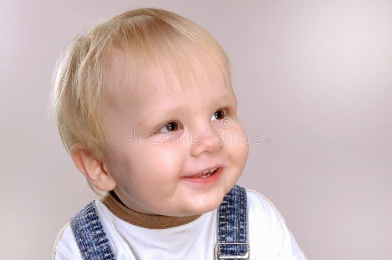Le för litet barnpojke royaltyfria bilder