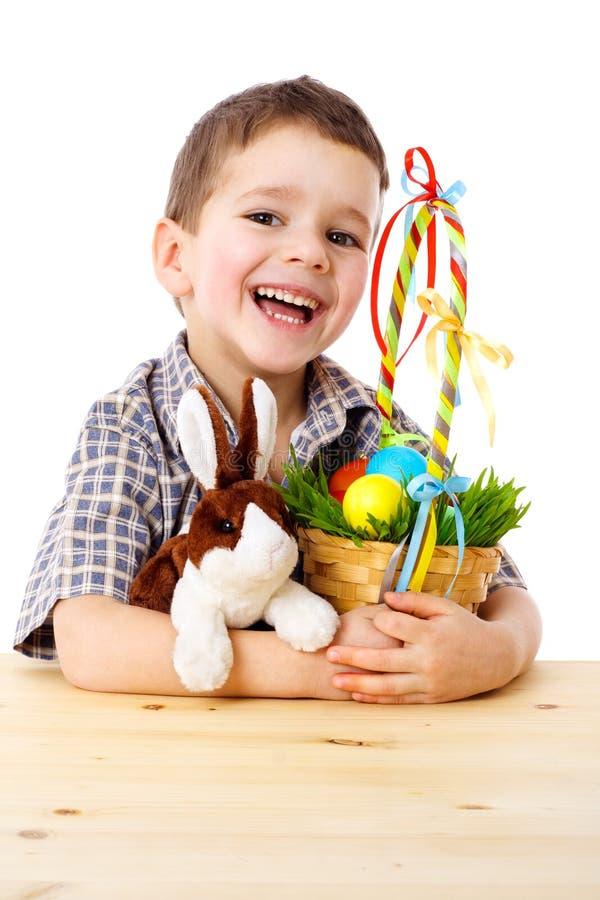 le för pojkekanineaster ägg fotografering för bildbyråer