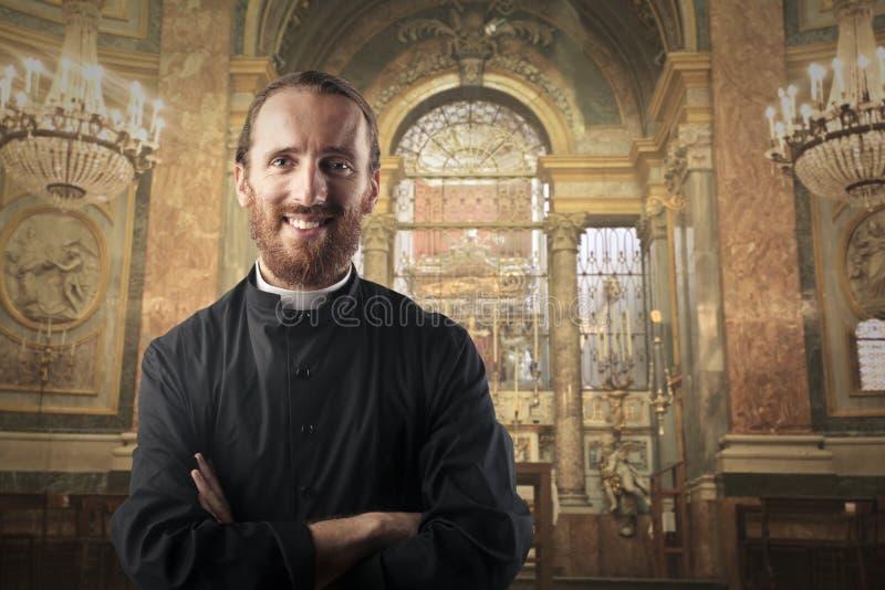 le för präst fotografering för bildbyråer