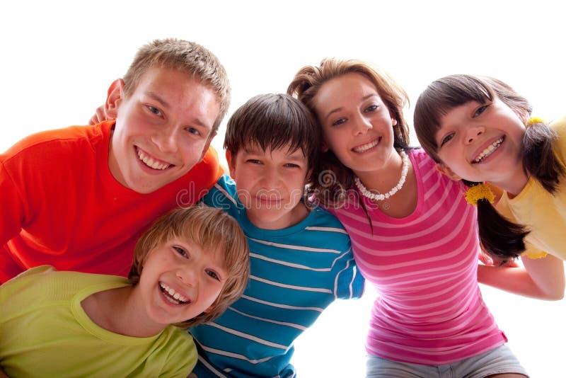 le för syskon royaltyfria foton