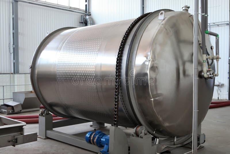 Le farmwine de vin le plus ancien de companyThe de tankWinery de fermentation de vin pro photographie stock libre de droits