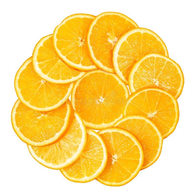 Le fette arancio hanno allineato in un cerchio fotografia stock
