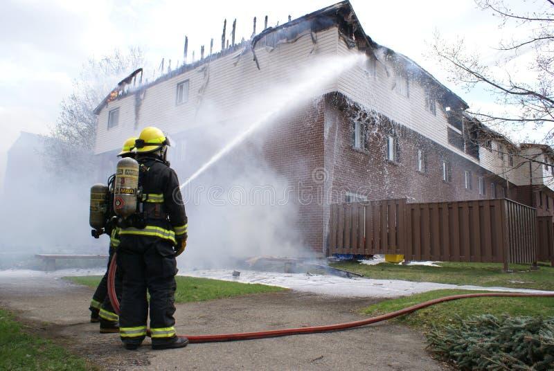 Le feu éditorial d'immeuble photos stock