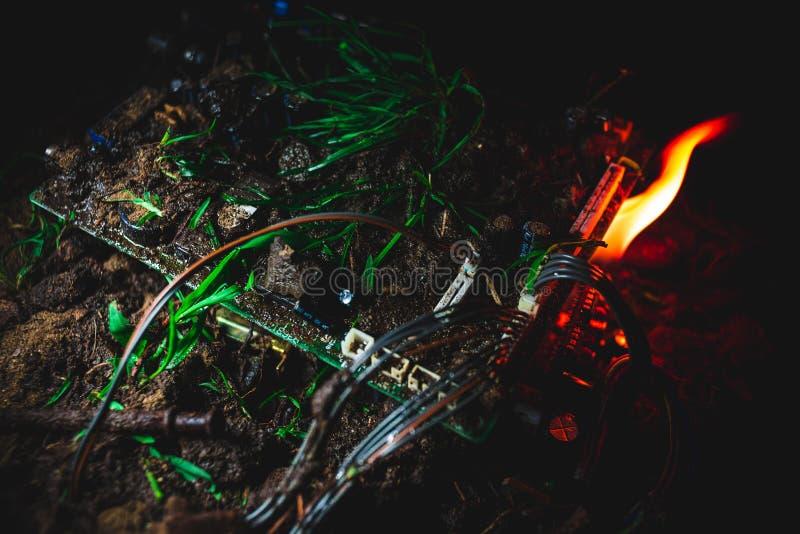 Le feu attrapé par carte mère photo libre de droits