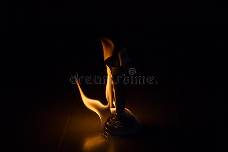 Le feu avec le feu images stock