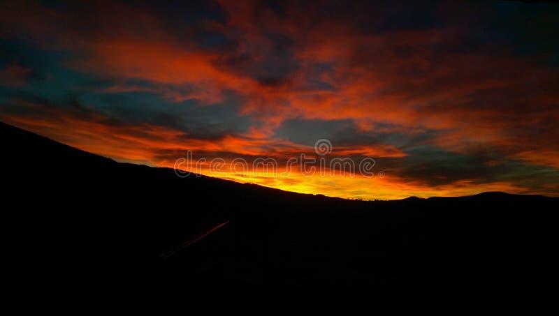 Le feu dans le ciel photo stock