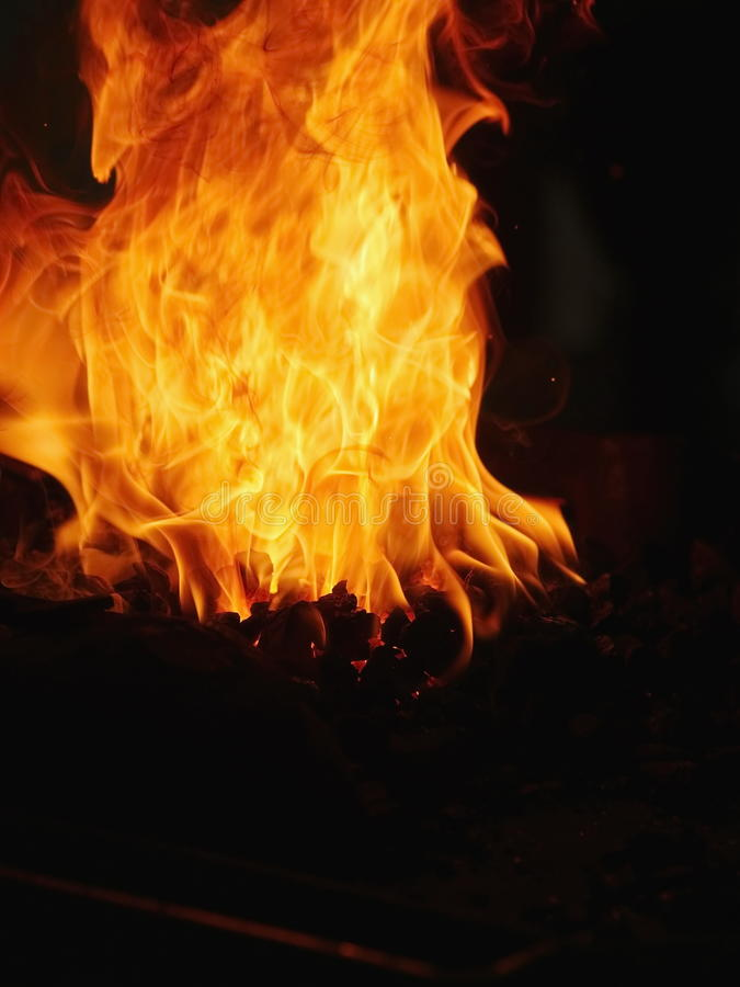 Le feu de charbon image libre de droits