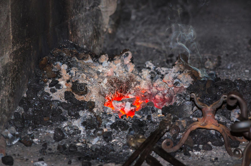 Le feu de forge images stock