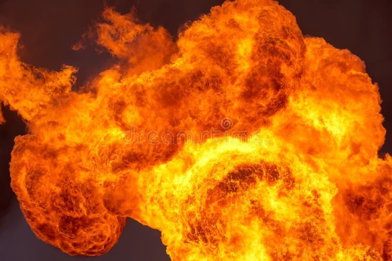 Le fiamme nel cielo immagini stock