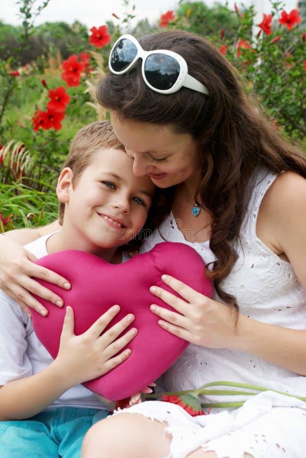 Le fils et la mère photo libre de droits