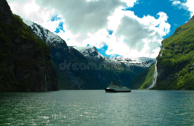 Le fjord de la Norvège image stock