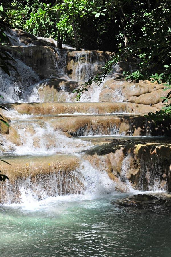 Le fleuve de Dunn tombe dans Ocho Rios Jamaïque image stock