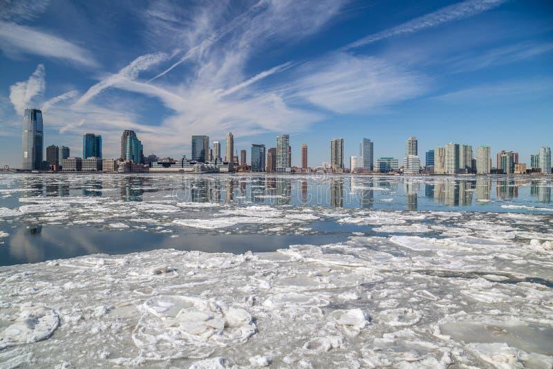 Le fleuve Hudson en hiver images stock