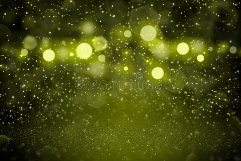 Le fond abstrait de scintillement de bokeh defocused lumineux merveilleux jaune de lumières avec des étincelles volent, texture d photos libres de droits