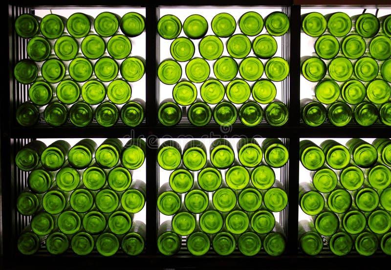 Le fond des bouteilles de vin photographie stock libre de droits