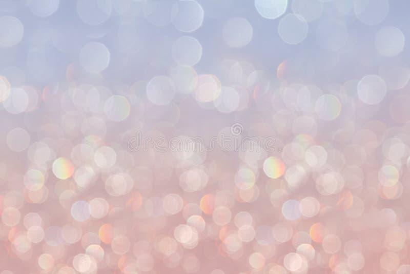 Le fond en pastel mou de sérénité de Bokeh avec l'arc-en-ciel brouillé s'allume photo libre de droits