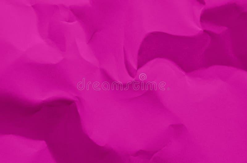 Le fond et le papier peint roses par texture de papier chiffonnée et libèrent photo stock