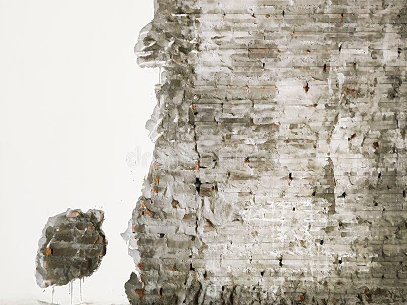 Le fond texturisé de la vieille surface rouge de mur de briques Plâtre minable de dommages de façade devant le mur Copiez l'espac illustration stock