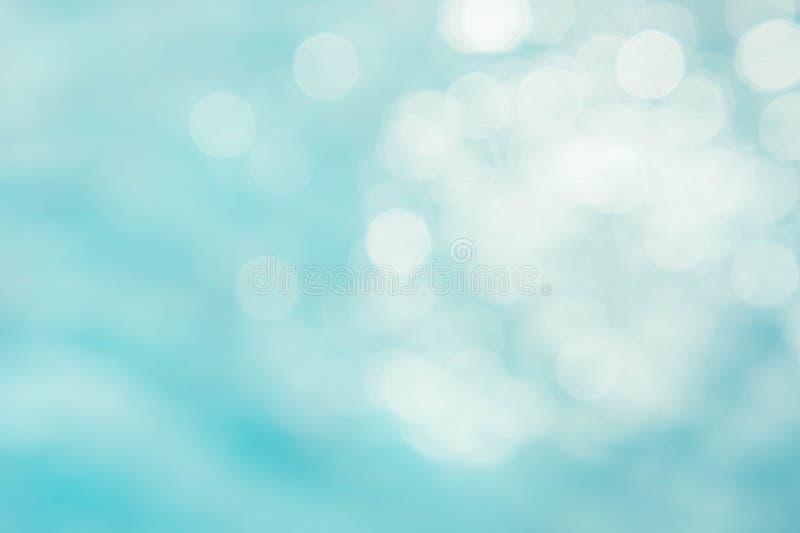 Le fond vert-bleu abstrait de tache floue, wallpaper la vague bleue avec s images libres de droits