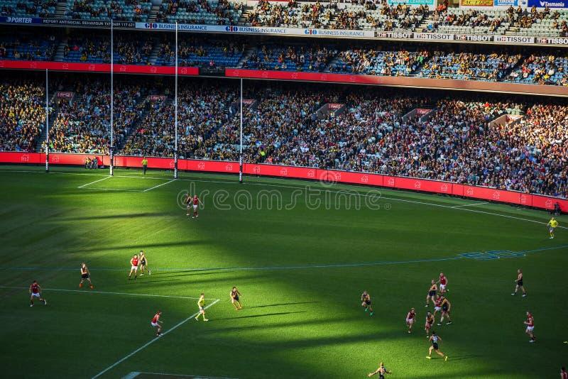 Le football australien au stade de magnétocardiogramme photographie stock