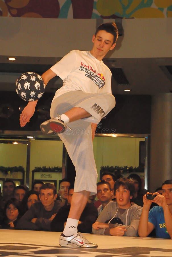 Le football Contest-7 de type de rue de Red Bull images libres de droits