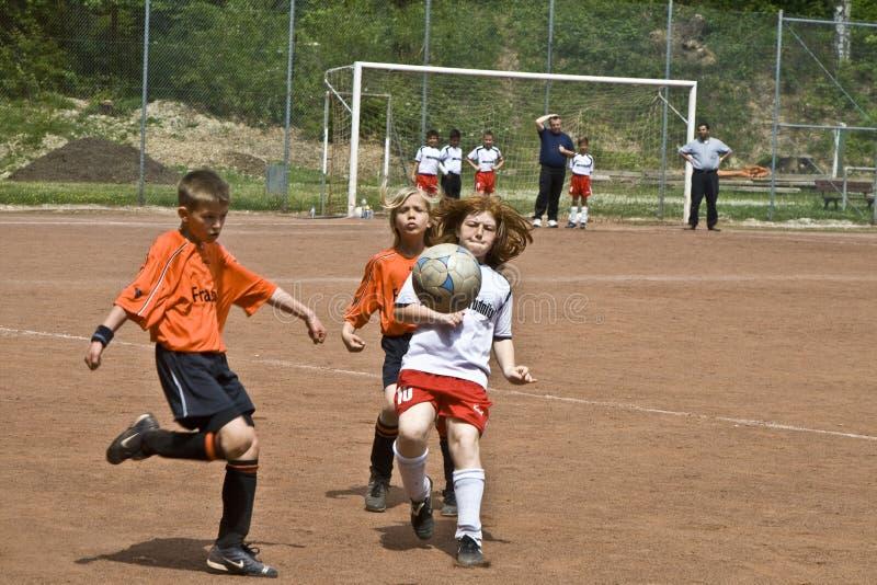 Le football d'enfants images libres de droits