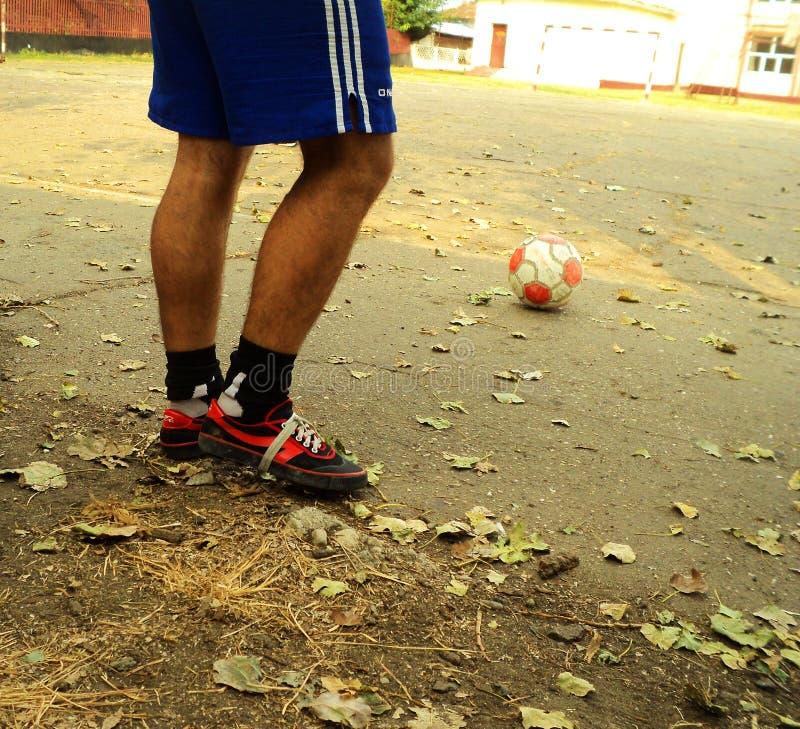 Le football de rue photographie stock libre de droits