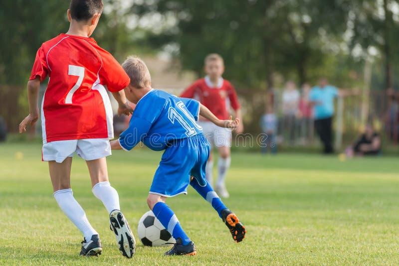 Le football des enfants photographie stock