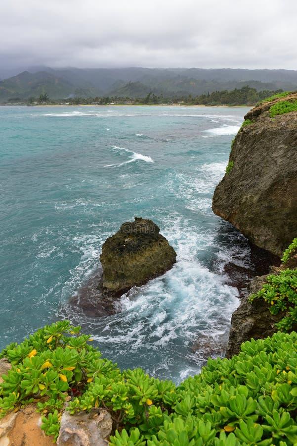 Le formazioni rocciose e le scogliere al punto di Laie indicano il parco di bordo fotografia stock