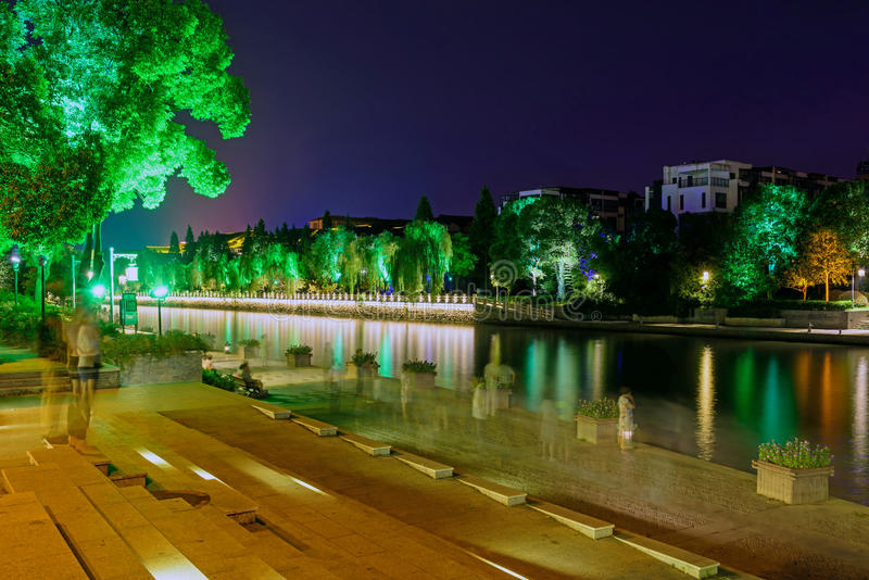 Le fossé la nuit photographie stock libre de droits
