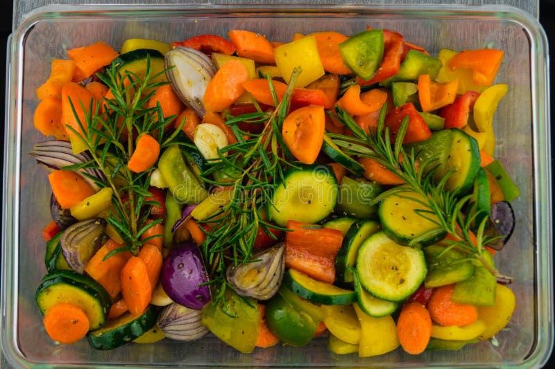 Le four a fait cuire des légumes photographie stock libre de droits