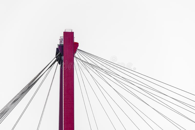 Le fragment d'un câble est resté le pont photo stock