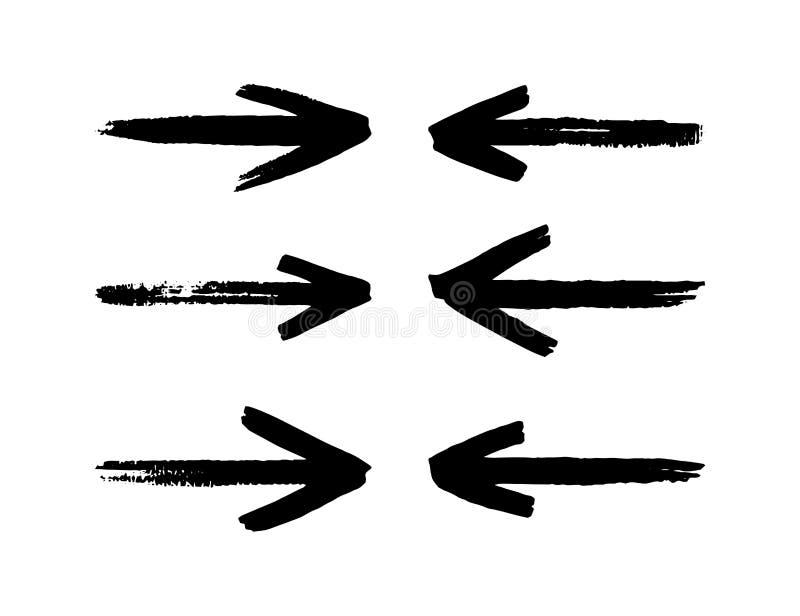 Le frecce disegnate a mano hanno messo isolato su un fondo bianco Colpo della spazzola royalty illustrazione gratis