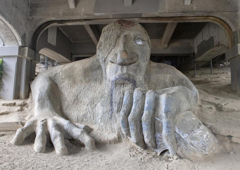 Le Fremont Troll, une statue colossale sous l'extrémité nord de George Washington Memorial Bridge à Seattle, Washington photo libre de droits