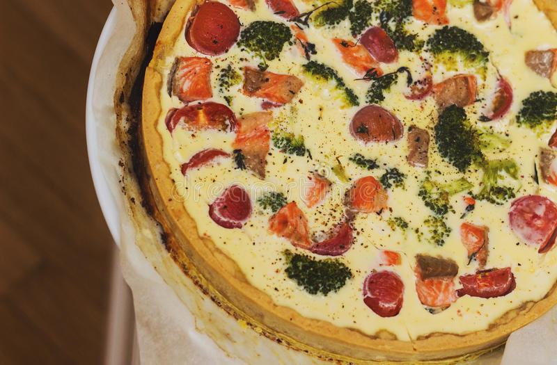 Le gâteau avec des fruits de mer image libre de droits