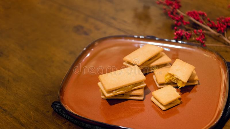 Le gâteau d'ananas est pâtisserie taiwanaise traditionnelle célèbre, pâtisserie chinoise ou gâteau de lune photos stock