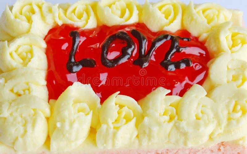 Download Le Gâteau De Beurre De Fraise Décorent L'amour Pour Le Saint Valentin Image stock - Image du informez, boulangerie: 87706547