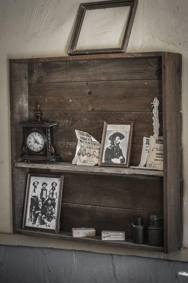 Le Général Custer de photo de Shelving de shérif photographie stock libre de droits